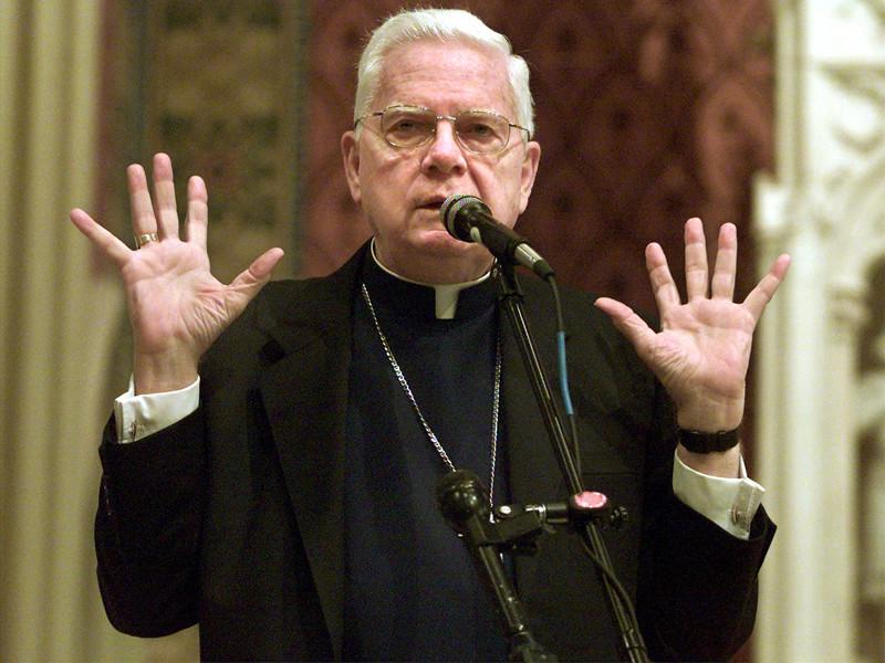 В Риме после долгой болезни в возрасте 86 лет скончался кардинал Бернард Лоу - бывший архиепископ Бостона и герой грандиозного педофильского скандала