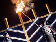 Вечером 12 декабря на площади Революции в Москве главный раввин России Берл Лазар по традиции зажжет первую ханукальную свечу