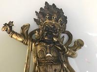 Главе Тувы подарили буддийскую статуэтку - трофей  Советско-японской войны