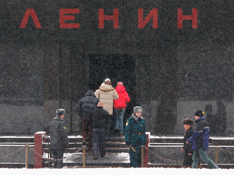 Протоиерей Чаплин: мумию Ленина нельзя сравнивать с мощами святых, это - ложные мощи и туристический объект праздного любопытства
