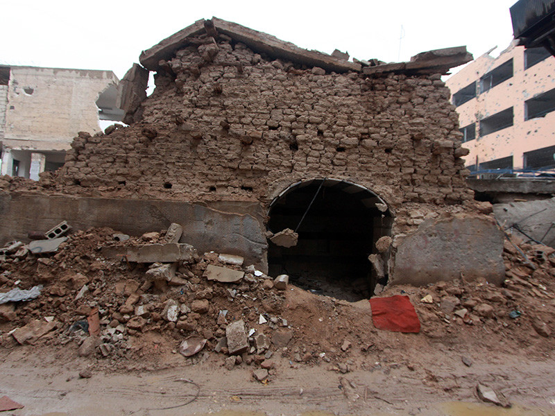 Власти Сирии направили в Совет Безопасности ООН жалобу, в которой обвиняют Израиль и Турцию в хищении артефактов из синагоги в Джобаре, находящемся на восточной окраине Дамаска. В ООН полагают, что со стороны сирийского правительства это очередной повод отвлечь мировую общественность от реальных проблем, связанных с гражданской войной в стране