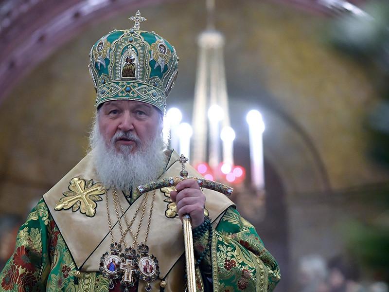 Патриарх Московский и всея Руси Кирилл в первый день Страстной недели совершил литургию в Малом соборе Донского монастыря столицы