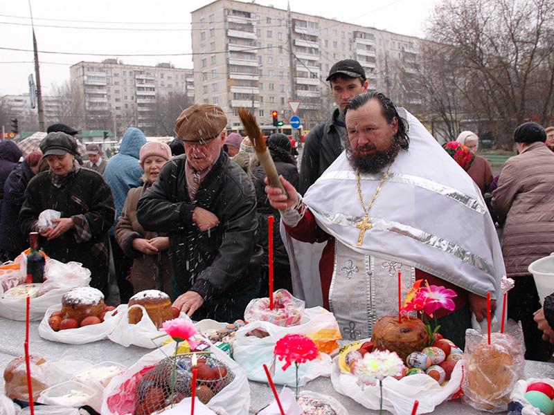 Пасха вошла в тройку самых популярных праздников в России