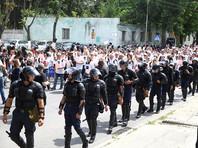 В Кишиневе церкви впервые не удалось сорвать  ЛГБТ-марш  - полиция повязала мешавших  акции религиозных протестующих