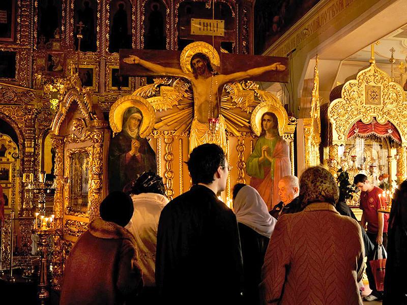 В Русской Православной Церкви (РПЦ) решили, что назрела необходимость в разработке методик взаимодействия священнослужителей и церковных социальных работников с ВИЧ-инфицированными людьми