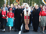 Патриарх Кирилл прошагал 21 км Царского крестного хода под Екатеринбургом и улетел в Москву