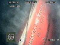 """В Баренцевом море установили мемориальную доску на корпусе подводной лодки Д-1 """"Декабрист"""", затонувшей в 1940 году при невыясненных обстоятельствах. Инициатором и исполнителем установки памятного знака выступил Северный флот"""