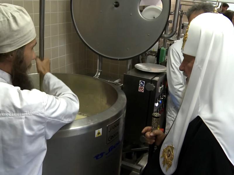 """В декабре 2015 года сообщалось о начале поставок твердых сыров под маркой """"Монастико"""""""