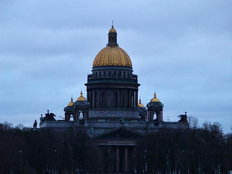 В РПЦ до окончания переговоров с музейщиками анонсировали богослужения в третьем приделе Исаакия