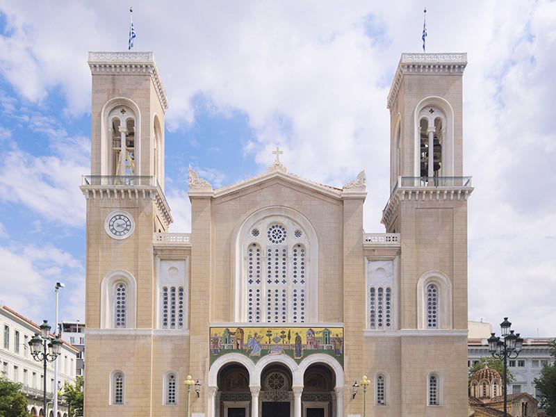 Власти Греции больше не будут платить зарплату священникам и сэкономят на этом 200 млн евро в год