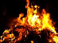 """Возле одной из церквей Польши сожгли книги о Гарри Поттере и сагу """"Сумерки"""" (ФОТО)"""