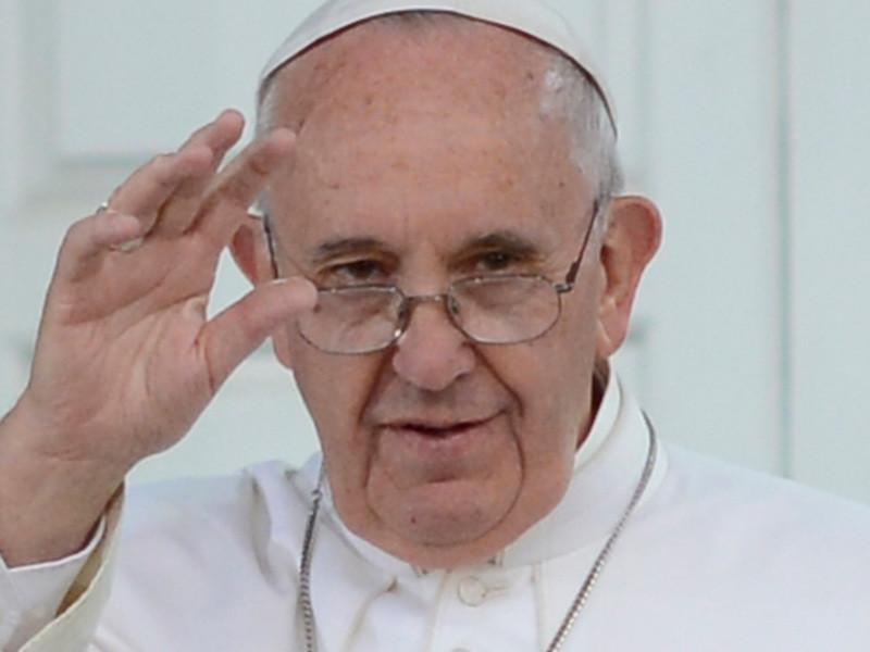 Папа Римский Франциск, который находится в трехдневной апостольской поездке в Румынии, цель которой - сближению всех христиан, обратился к цыганам и попросил у них прощения за вековую дискриминацию их народа