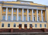 """Елена Лукьянова: """"Конституционному суду придется изворачиваться и косить глазом"""""""