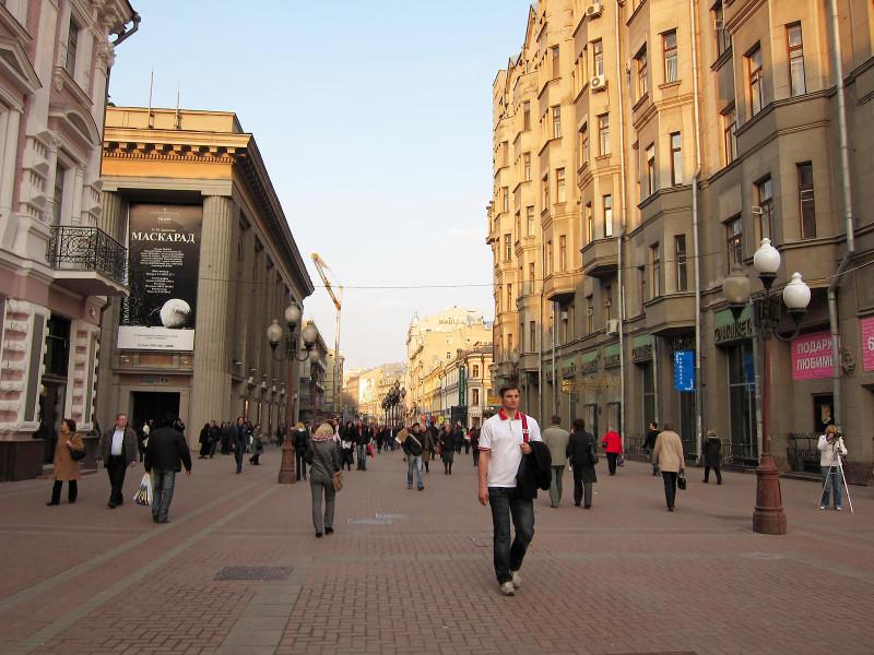 Аналитики назвали Арбат одной из наиболее пострадавших от кризиса торговых улиц Москвы