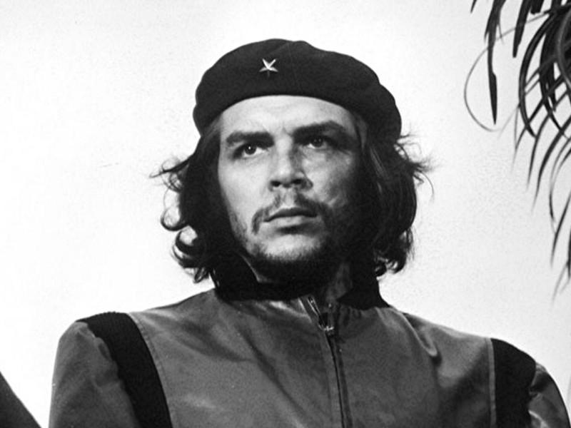 Эрнесто Че Гевара, врач по образованию, стал одним из символов борьбы за освобождение народов Латинской Америки