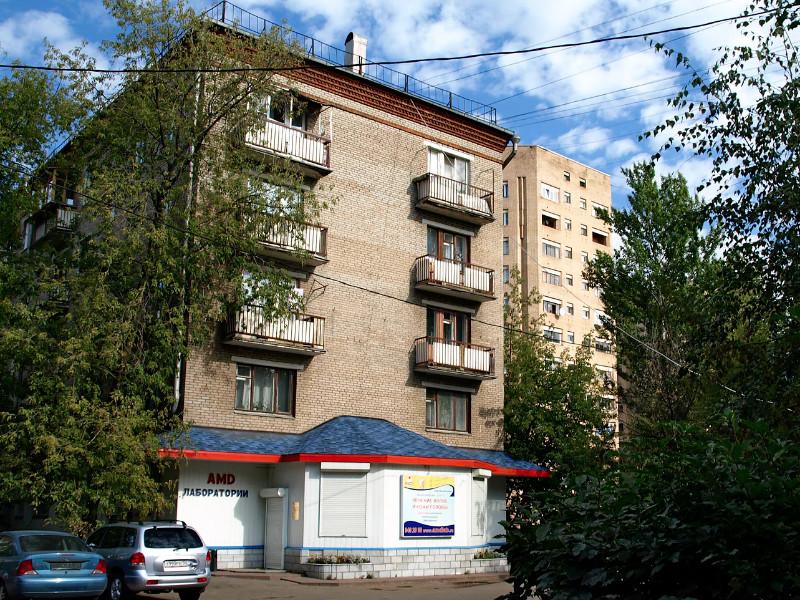 Вторичное жилье в России подешевело почти на 10%