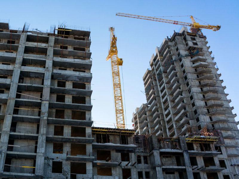 За десять месяцев объем ввода жилья в России снизился на 5,6%