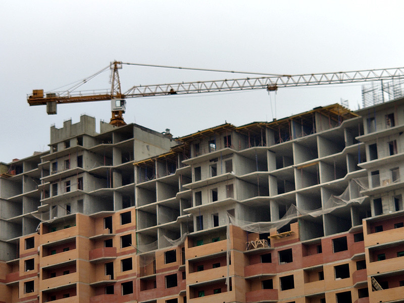 Новое жилье строится лишь в четверти российских городов