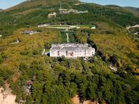 Одной из главных тем расследования стал дворец в окрестностях Геленджика, строительство которого, по данным ФБК, обошлось в 100 млрд рублей
