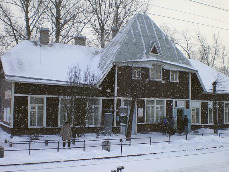 В Ленинградской области снесли дореволюционное здание вокзала