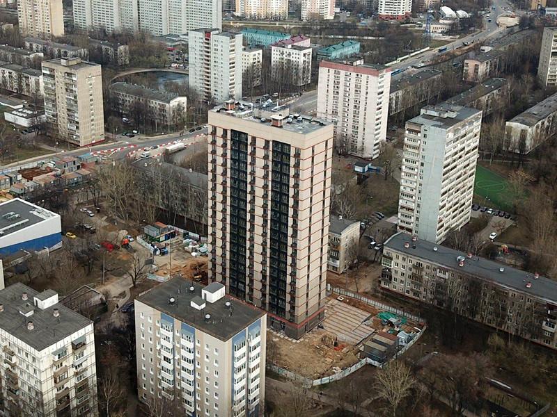Вид с квадрокоптера на новостройку по реновации в районе Зюзино
