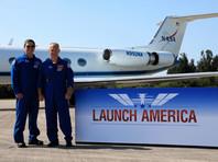Астронавты NASA Боб Бенкен и Даг Хёрли 20 мая прибыли на космодром на мысе Канаверал (штат Флорида) с которого 27 мая им предстоит отправиться на Международную космическую станцию (МКС)