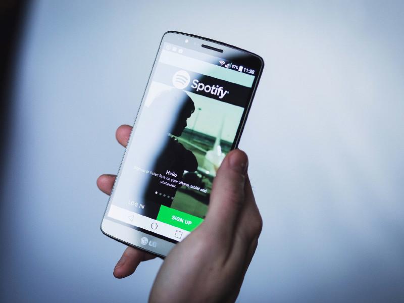Музыкальный сервис Spotify официально запустился в России
