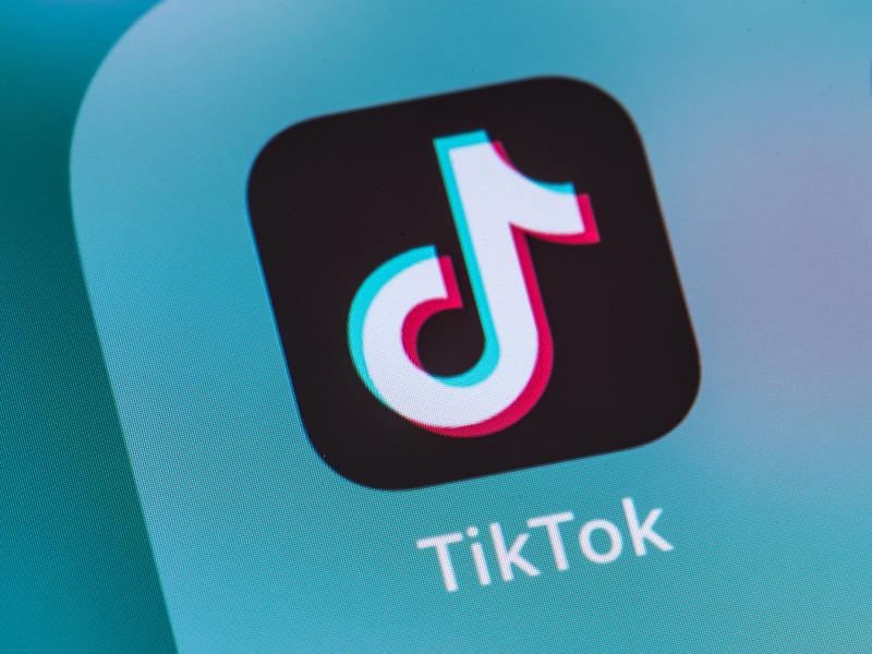Компания Microsoft официально подтвердила, что ведет переговоры о возможности покупки бизнеса популярного сервиса TikTok в США