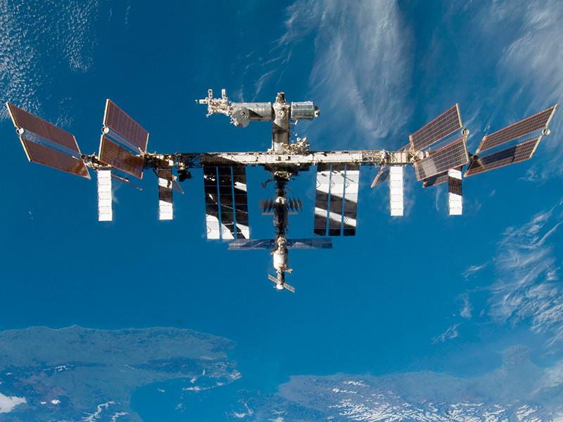 Экипаж 63-й длительной экспедиции на Международную космическую станцию (МКС) завершил операции по открытию люков и приступил к штатной работе во всех сегментах станции