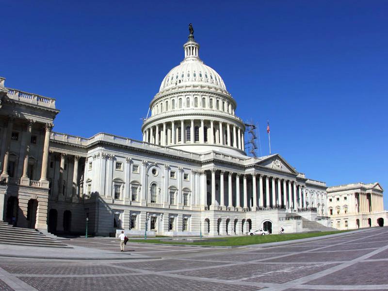 Главы Facebook, Twitter и Google ответили на вопросы американских сенаторов о цензуре в соцсетях