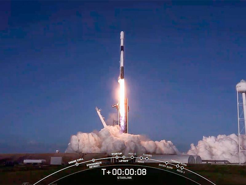 Американская космическая компания SpaceX 18 октября запустила ракету-носитель Falcon 9, которая вывела на орбиту 60 спутников разрабатываемой SpaceX системы глобального доступа к интернету Starlink