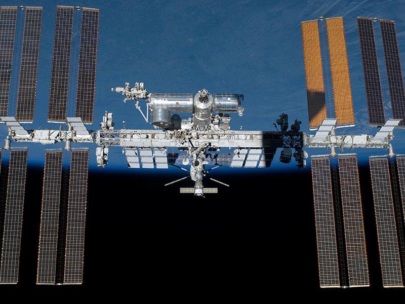Ставшая причиной утечки воздуха на МКС трещина могла появиться из-за внешнего воздействия