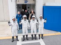 На борту корабля SpaceX находятся астронавты NASA Майкл Хопкинс, Виктор Гловер, Шеннон Уокер и японский астронавт Соити Ногути