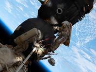 """Российские космонавты вышли в открытый космос для подготовки МКС к стыковке с модулем """"Наука"""""""