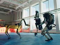 Роботы Boston Dynamics зажигательно станцевали в новогоднем ВИДЕО