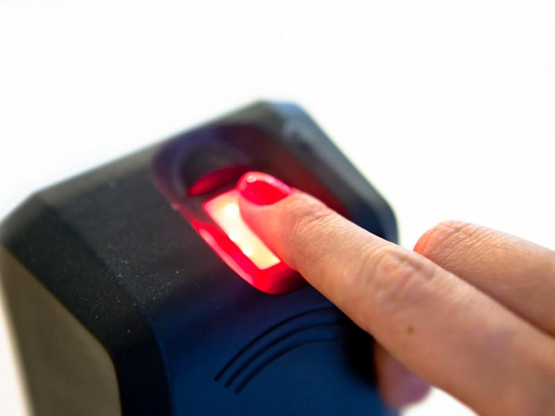 Половина россиян не поддерживает создание Единой биометрической системы