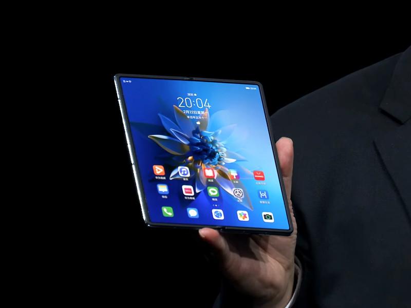 Компания Huawei представила смартфон Mate X2 с гибким дисплеем