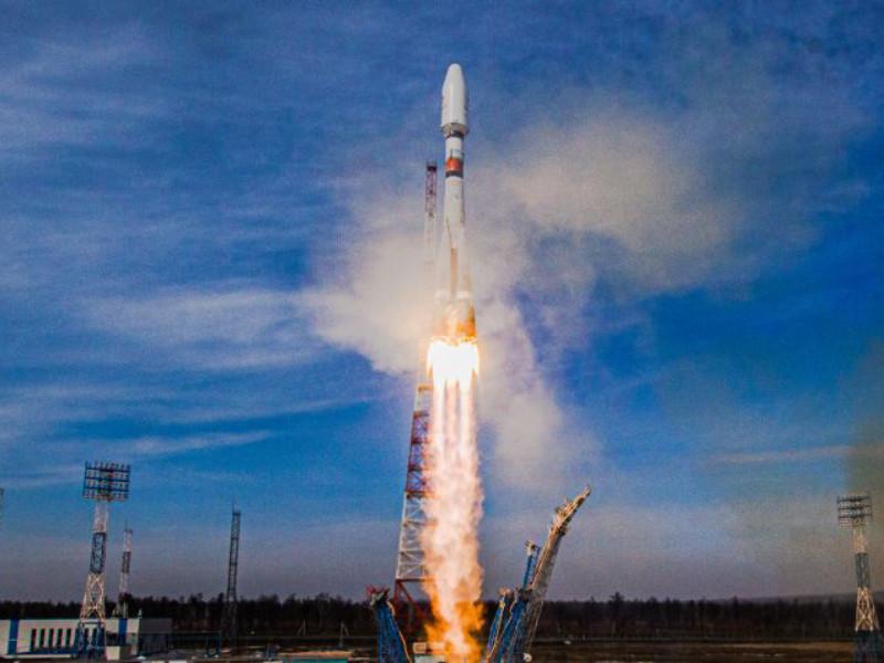 """С Восточного запустили ракету-носитель """"Союз-2.1б"""" с пятой партией спутников OneWeb"""