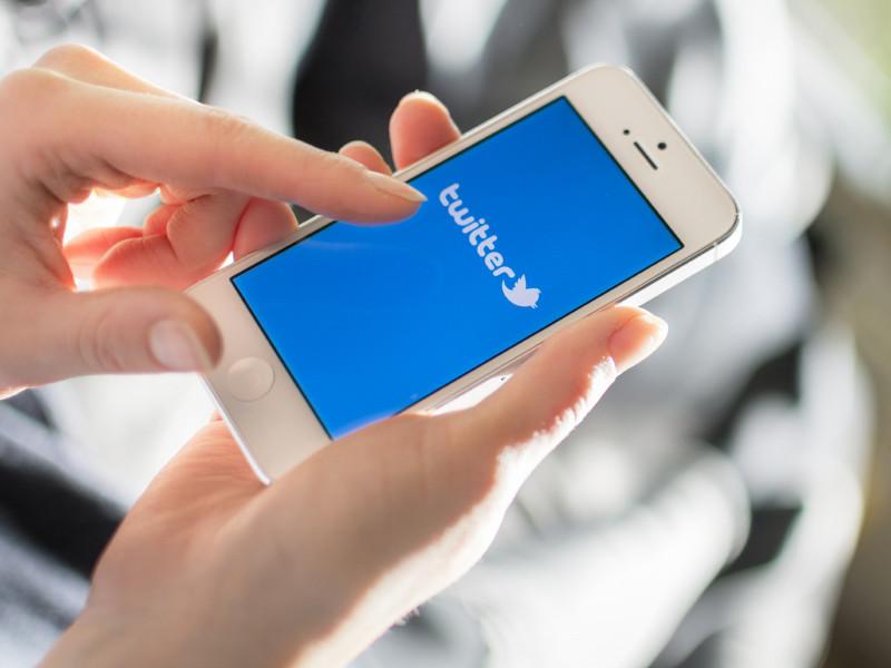 Роскомнадзор с 10 марта замедлит скорость работы Twitter в России