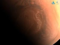 """Китайский аппарат """"Тяньвэнь-1"""" прислал на Землю орбитальные снимки марсианской поверхности"""