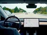 Компания Tesla начала использовать камеру в салоне электромобилей для контроля за водителями при включенном автопилоте