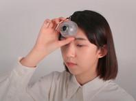 Для любителей смотреть в смартфон на ходу создали третий глаз (ВИДЕО)