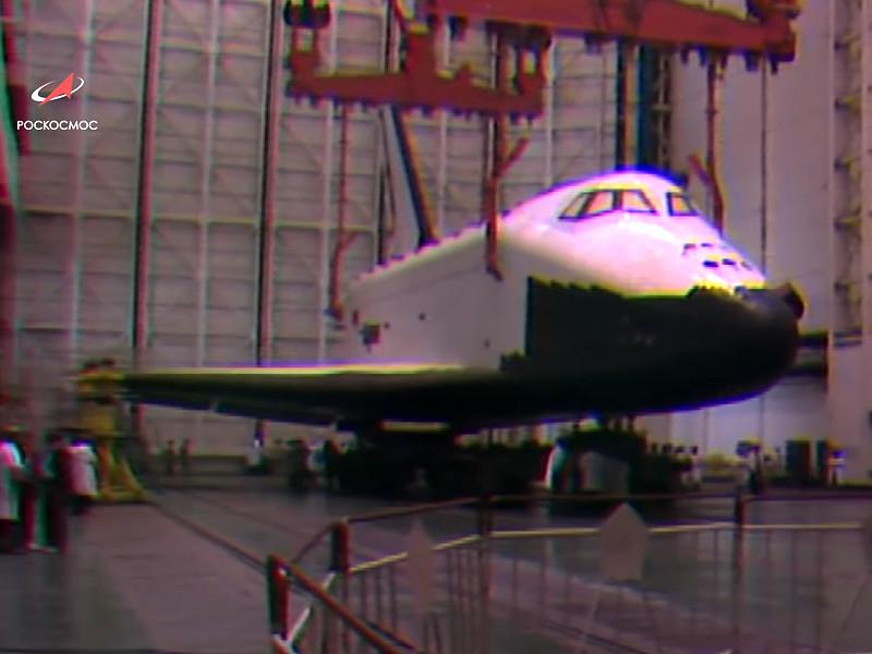 """Корабль """"Буран"""" должен был стать ответом СССР на американскую программу космических челноков многоразового использования Space Shuttle. Свой первый и единственный космический полет """"Буран"""" совершил 15 ноября 1988 года"""