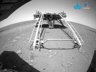 """Китайский марсоход """"Чжужун"""" съехал на марсианскую поверхность"""