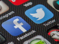 В Роскомнадзоре заявили об обязанности Twitter и Facebook локализовать данные российских пользователей к 1 июля