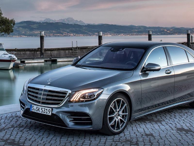 """АО """"Мерседес-Бенц РУС"""" (официальный представитель Mercedes-Benz в России) объявило об отзыве свыше 1 тыс. автомобилей S-класса из-за дефекта заглушек на двигателе"""