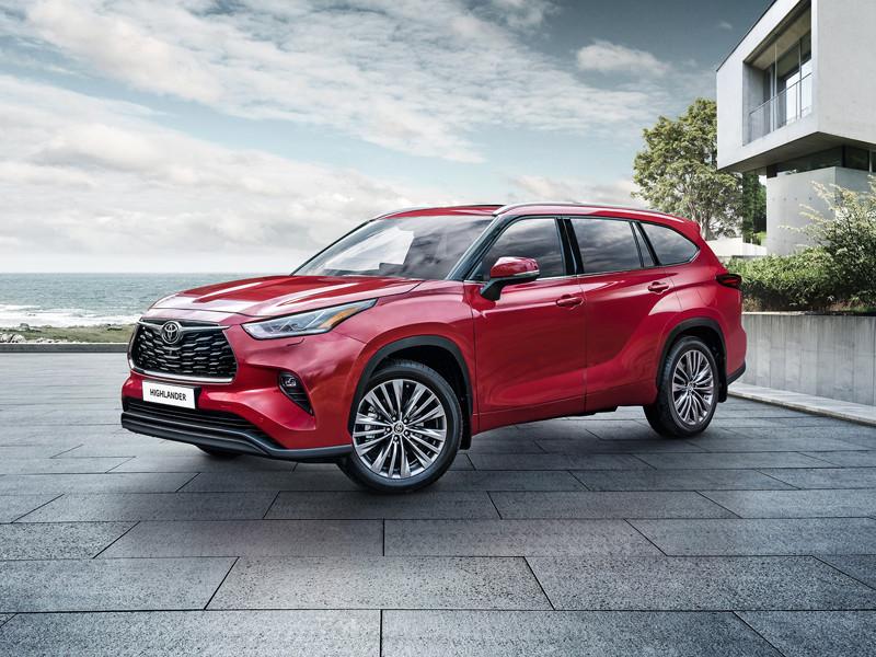 Toyota начала продавать в России обновленный кроссовер Highlander
