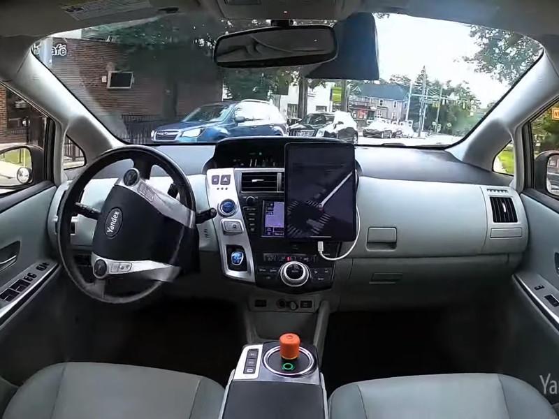 """""""Яндекс"""" начал испытывать в США беспилотные машины без водителей"""