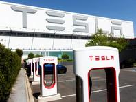 Tesla работает над системой, которая будет предупреждать о забытом в машине ребенке