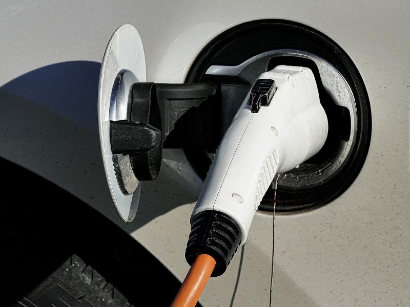 Продажи подержанных электромобилей в России выросли на 40%